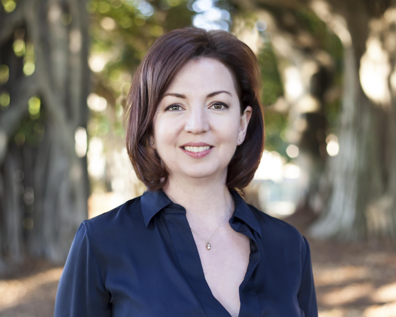 Susan Wemettte Headshot