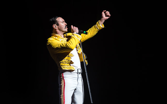 Gary Mullen singing on stage