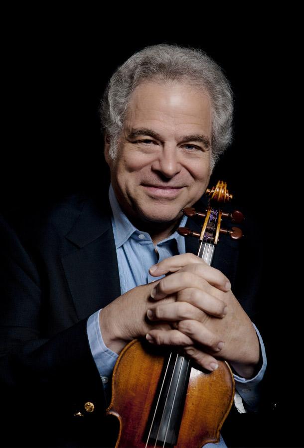 Itzhak Perlman holding violin